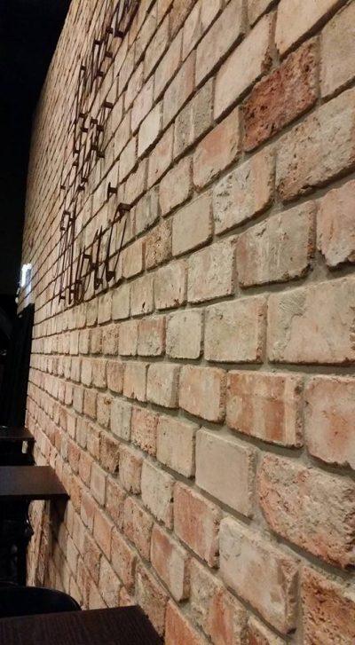 חיפוי קירות עם בריק אדום